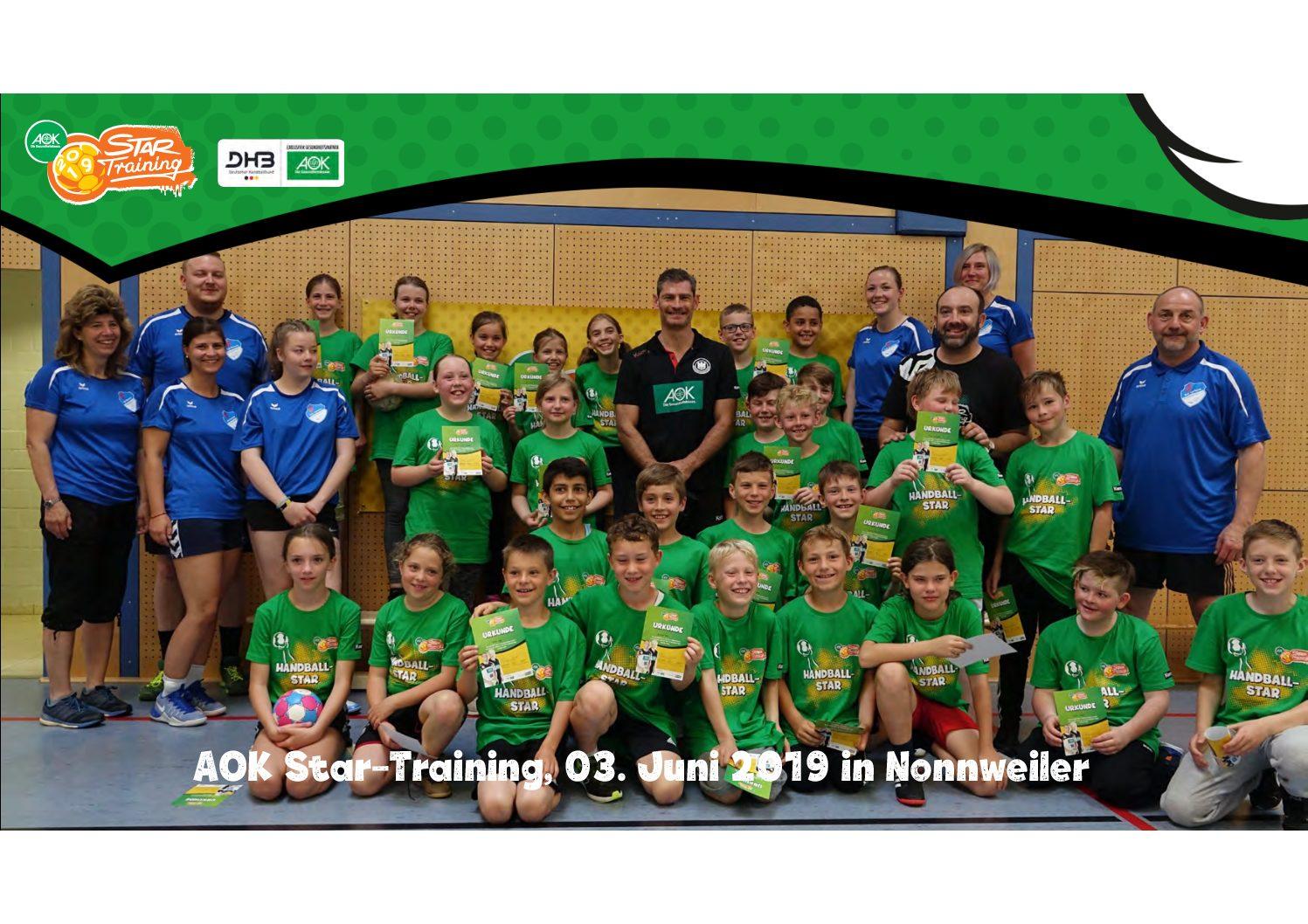 TuS Schwarzenbach beim AOK-Star-Training mit Henning Fritz an der Grundschule Nonnweiler